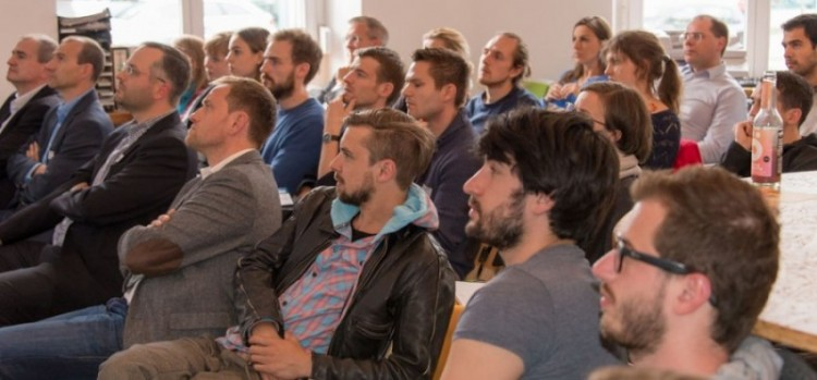 Das Publikum beim Startinsland Gründerzünder